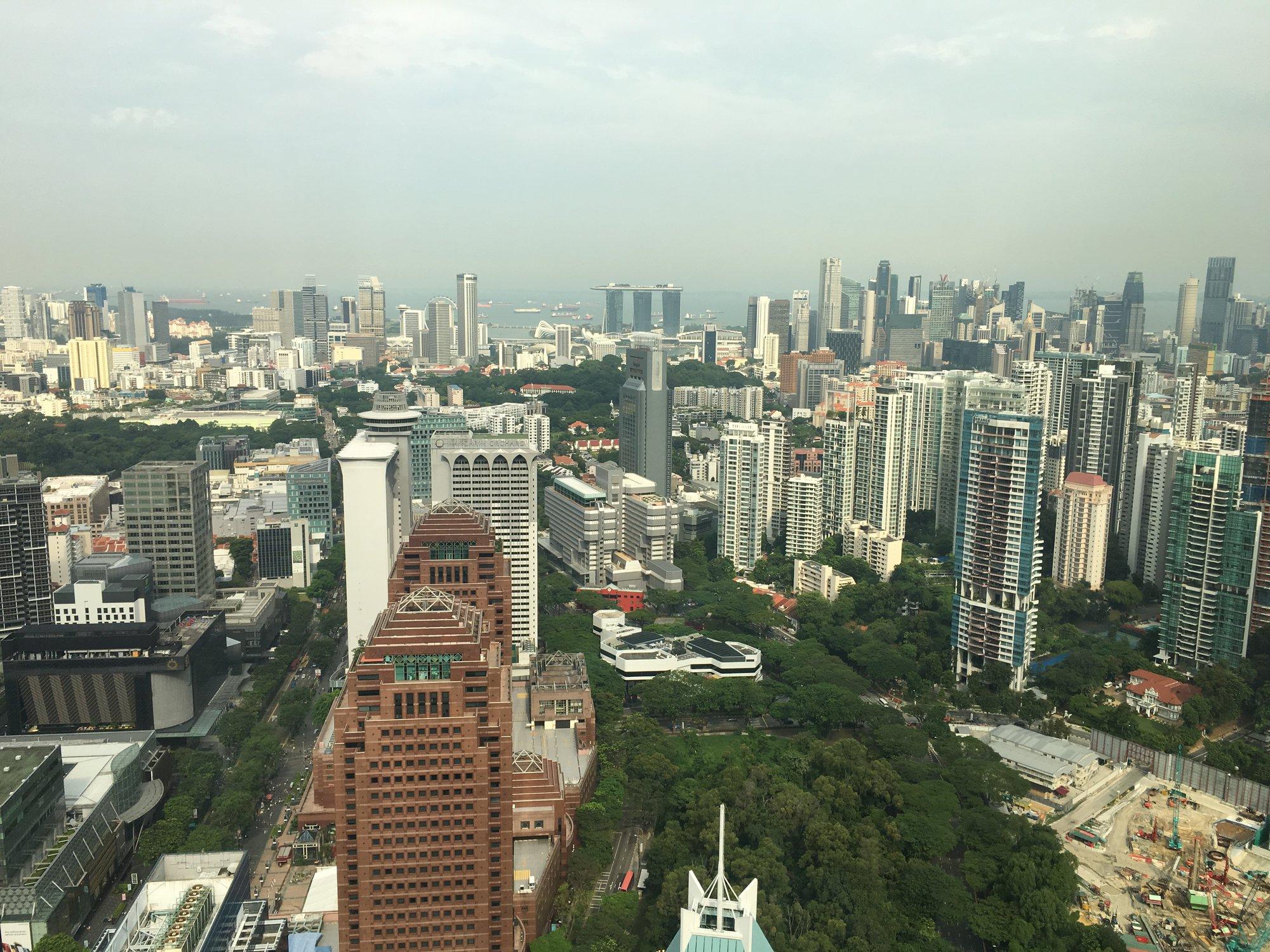 výhled na Singapur z mrakodrapu ION Orchard