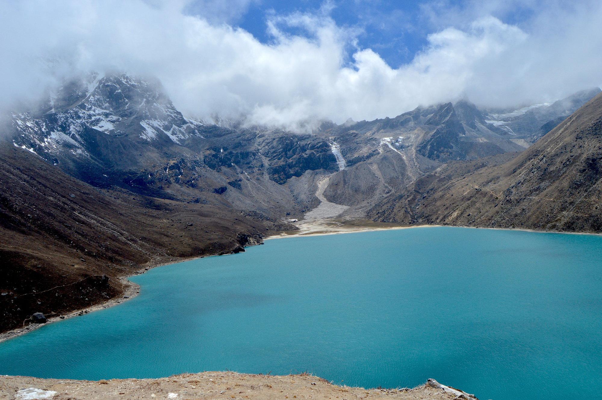 tyrkysové jazero Dudh Pokhari