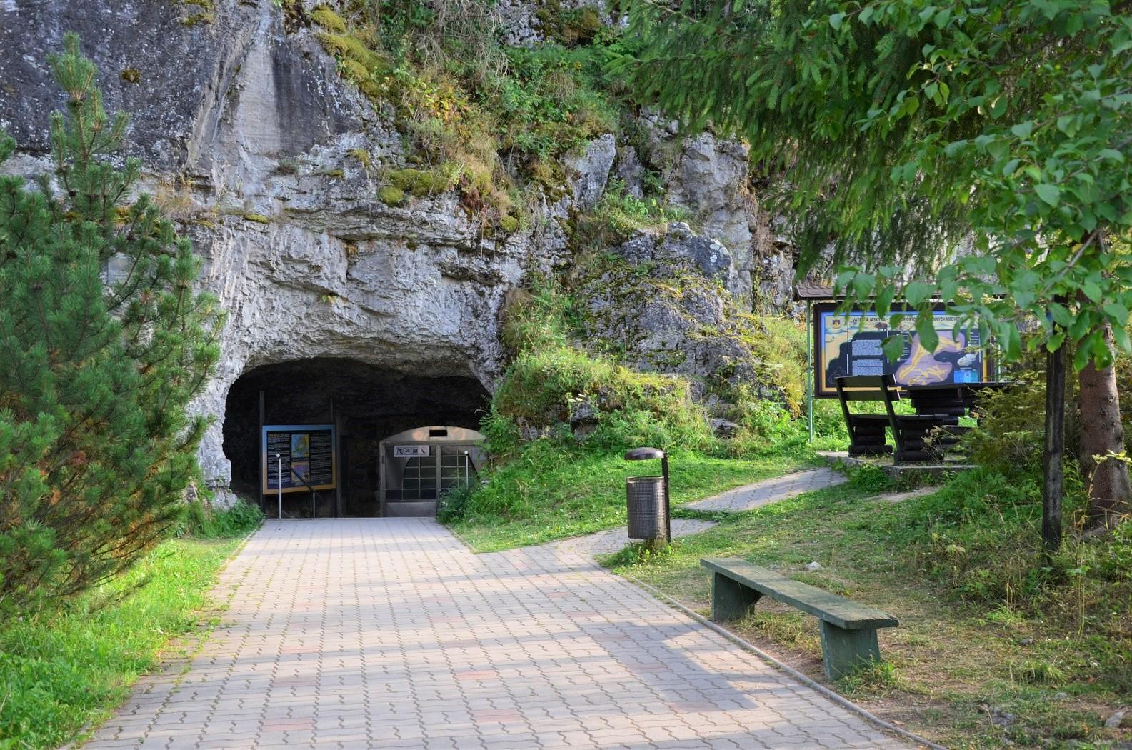 Važecká jeskyně