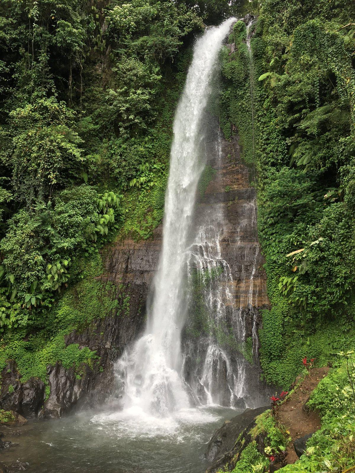 на Бали много водопадов