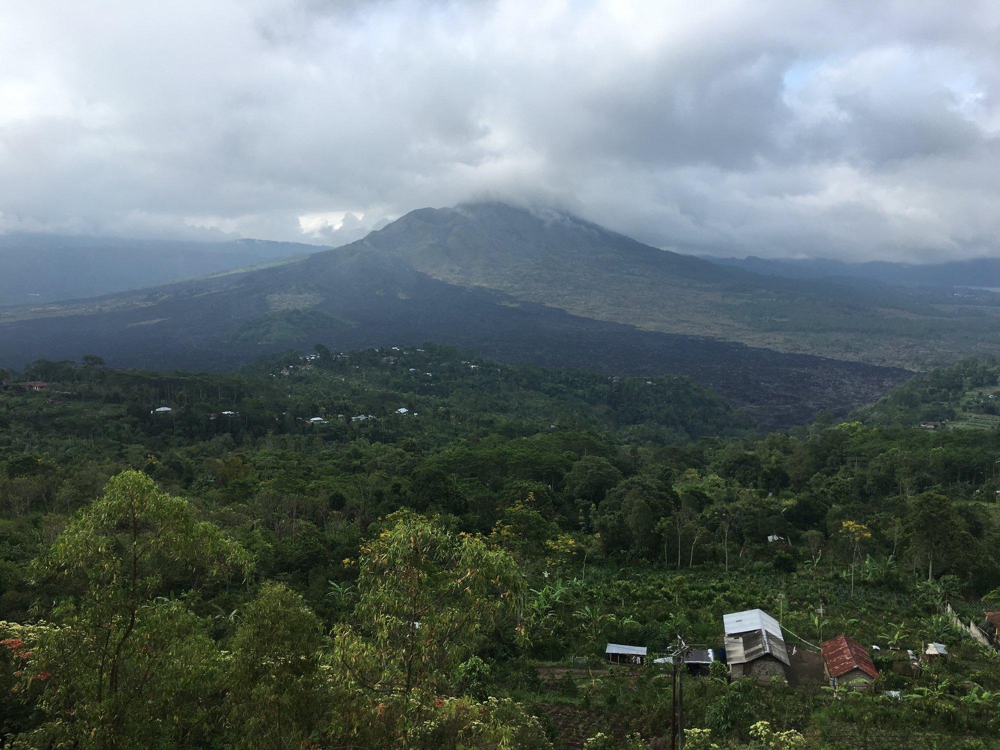 вид на вулкан Батур