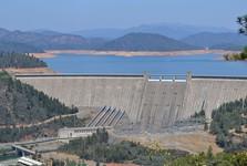 Shasta Lake a přehrada Shasta