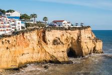domy na útesoch