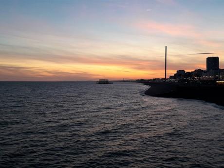 výhľad z Palace Pier (Brighton)