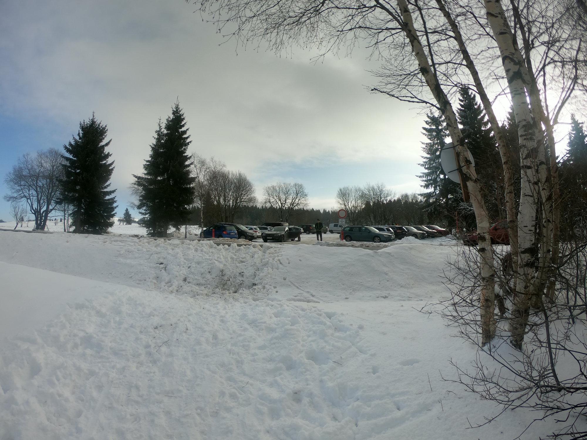parkoviště u běžeckého a lyžařského areálu Jahodová louka