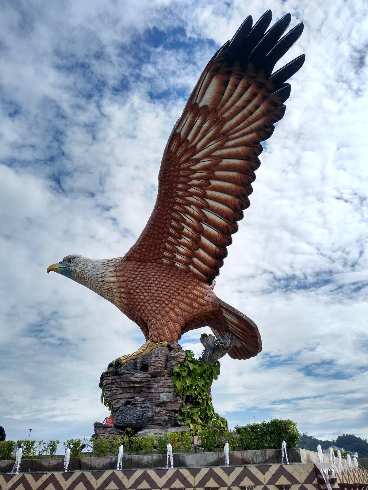 socha orla na Orlím náměstí