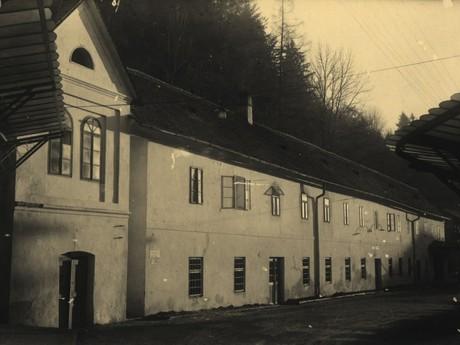 Plnírna Vincentky před zbouráním, 40.léta 20.st.