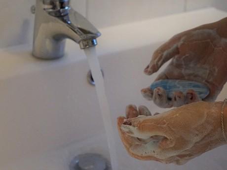 umývanie rúk (pixabay.com) - ilustračné foto