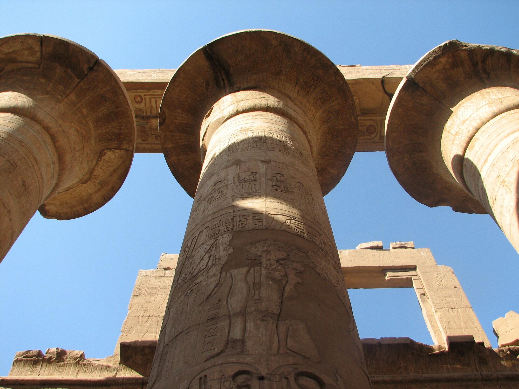 колонны в Карнаке