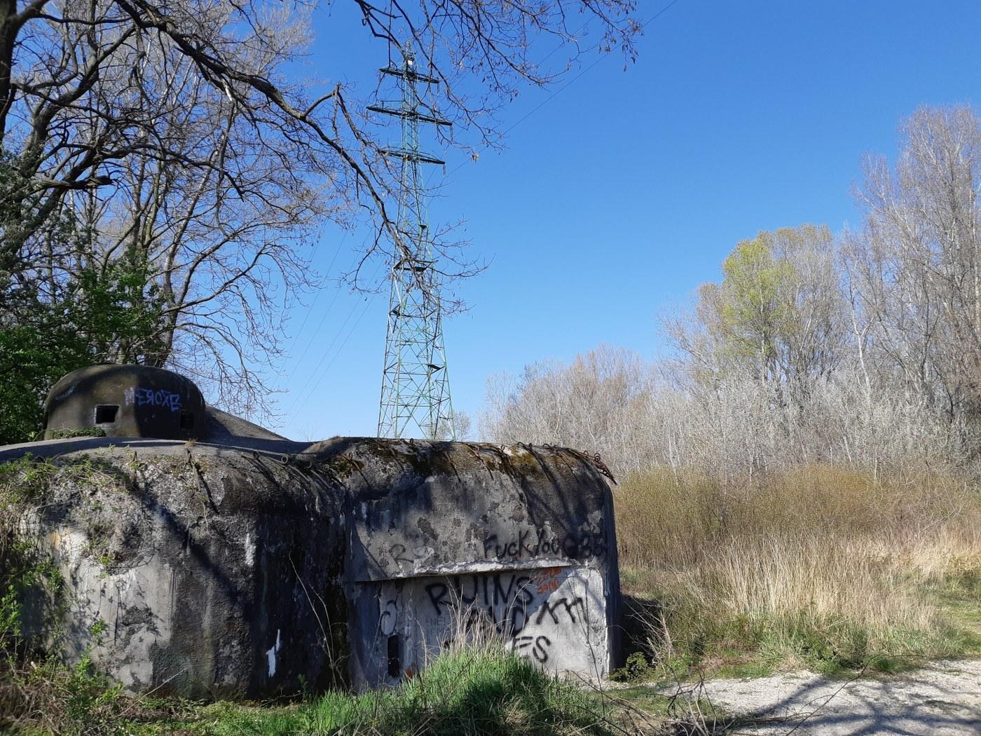 přírodní rezervace Starý háj (vojenský bunkr)