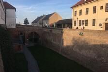 Špilberk vo vnútri hradieb
