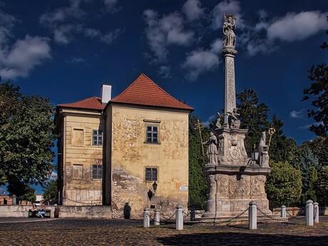 Trnava - Trojičný stĺp pri Bazilike sv. Mikuláša