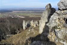 руины замка Корлатка