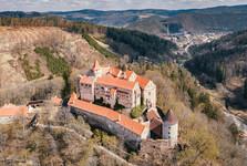 hrad Pernštejn z dornu