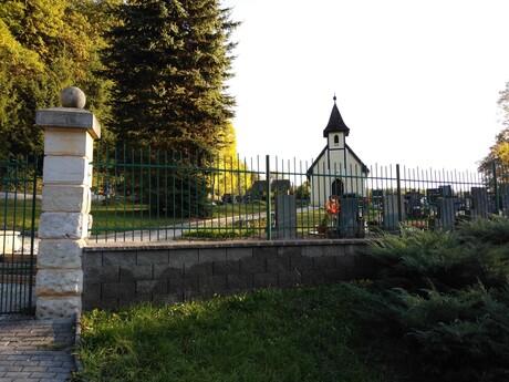kaplnka v obci Kacanovy