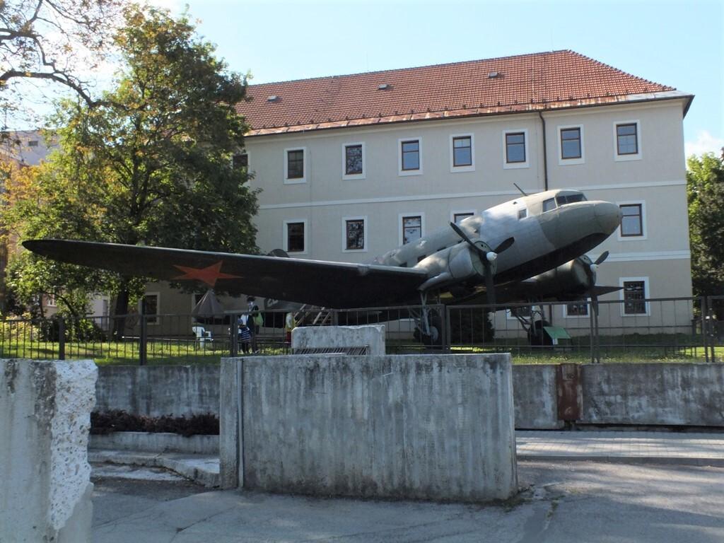 letadlo Li-2