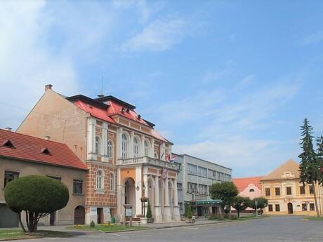 Krupina (radnica); Palickap, Wikipedia.org