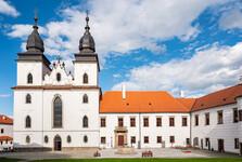 zámek a bazilika