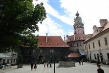 Dolní hrad s věží