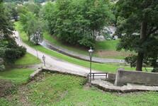 pohled na Jelení zahradu z hradního areálu