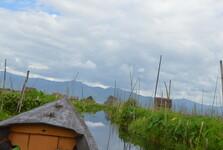 loď, která vás odveze do města Nyaungshwe