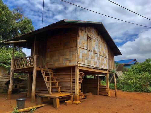 laoský bungalov