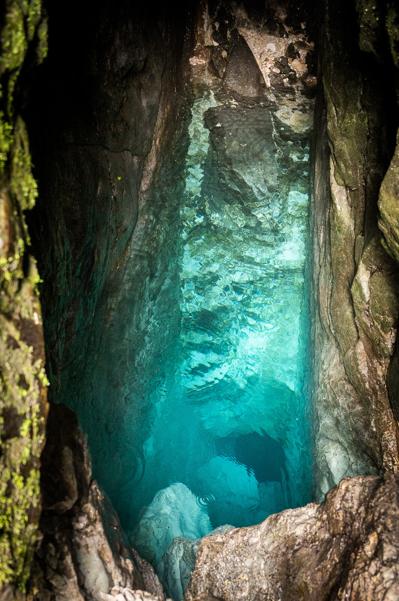 přírodní studna, kde Soča pramení, takzvaná vyvěračka