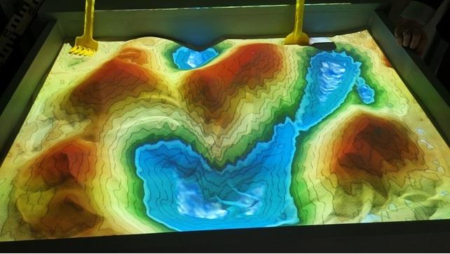pískový model reliéfu s rozšířenou realitou