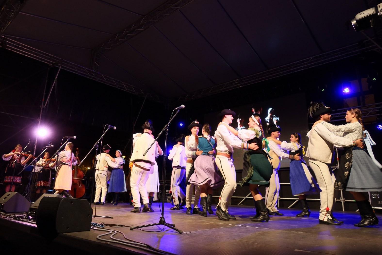 folklorní vystoupení