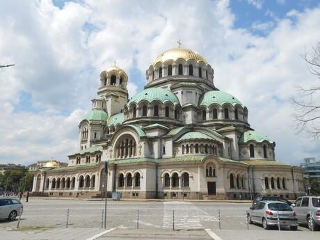 katedrála Alexandra Nevského slúži ako hlavná svätyňa patriarchovi bulharskej pravoslavnej cirkvy