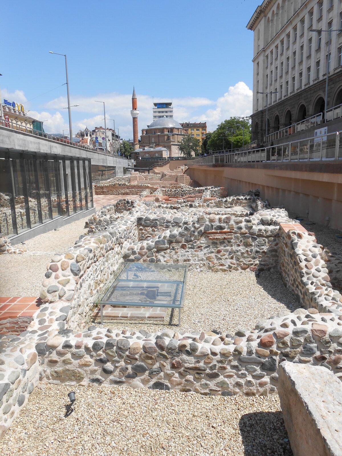 v centru najdeme pozůstatky historické části města
