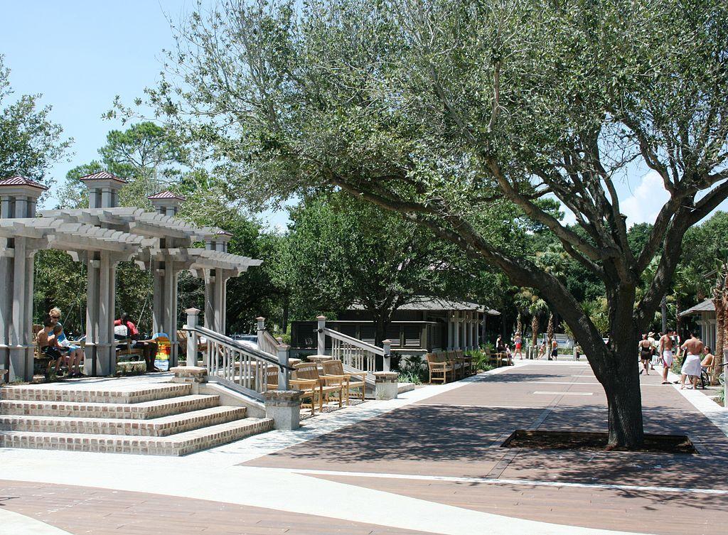 Coligny Circle Plaza
