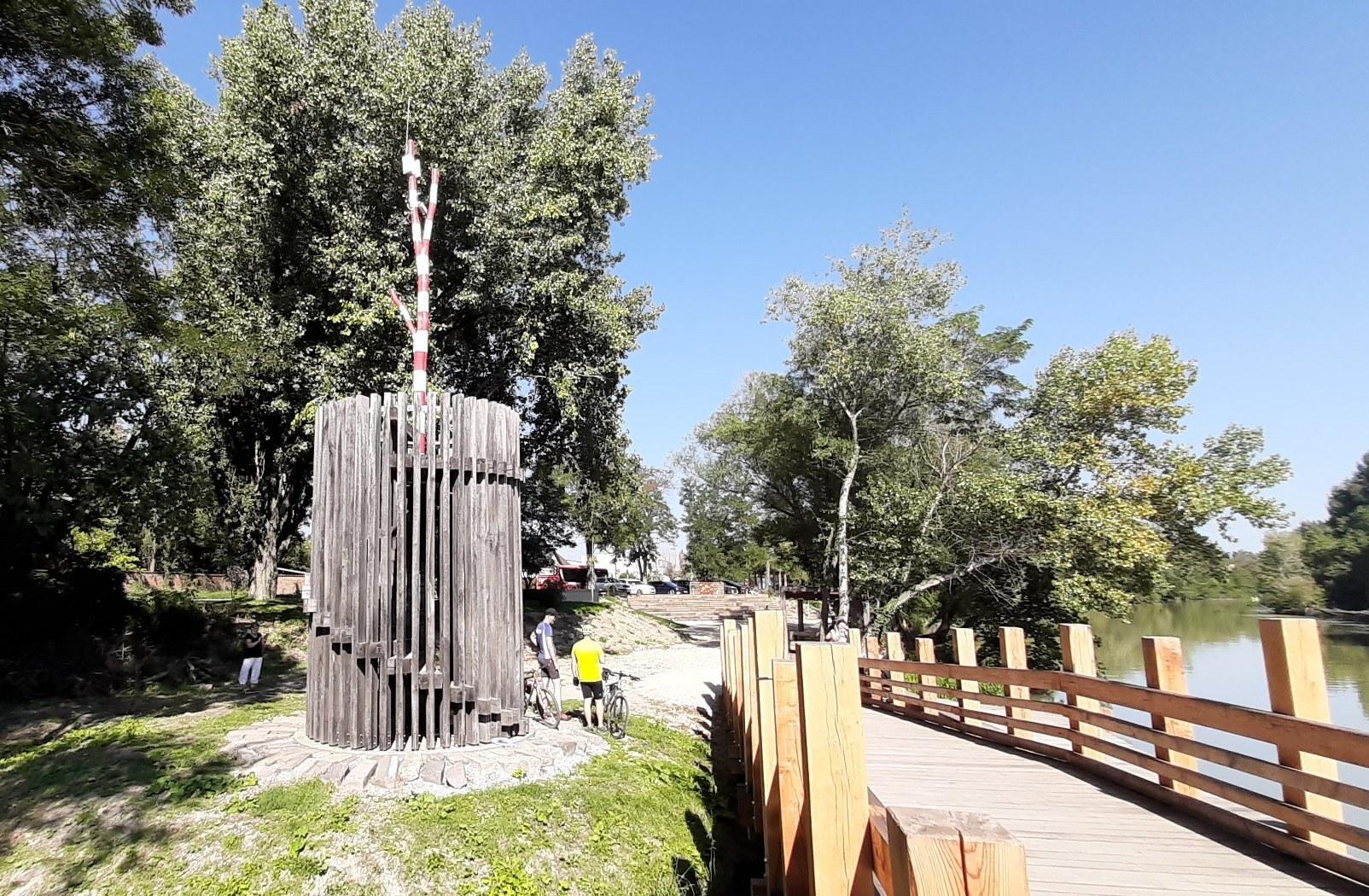 Корзо Залесье со смотровой башней