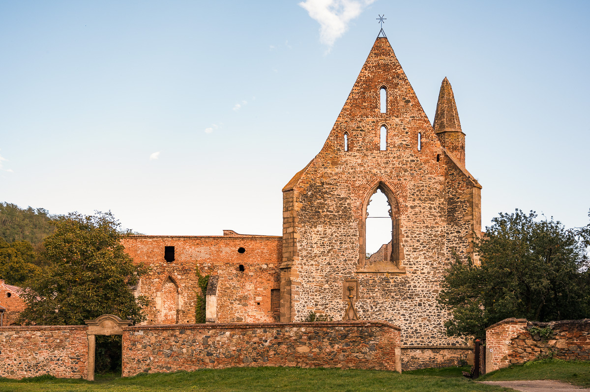 vstupní portál kláštera