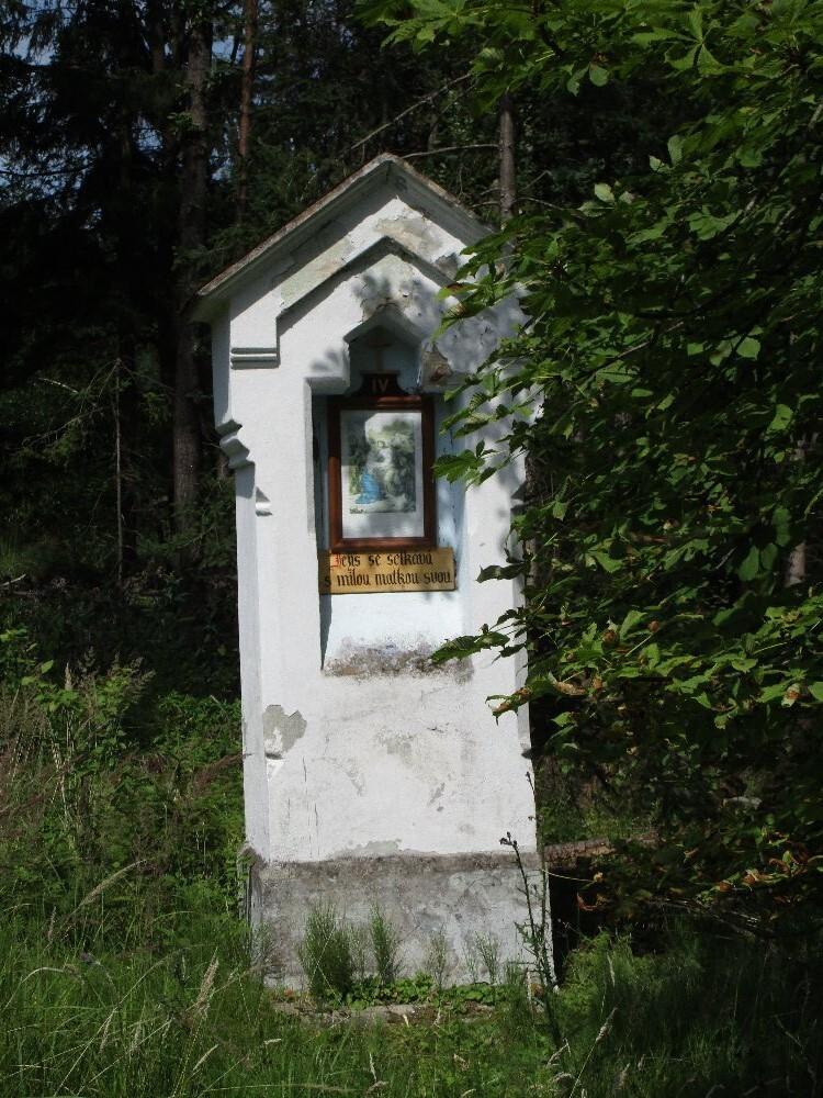 kaplička na křížové cestě