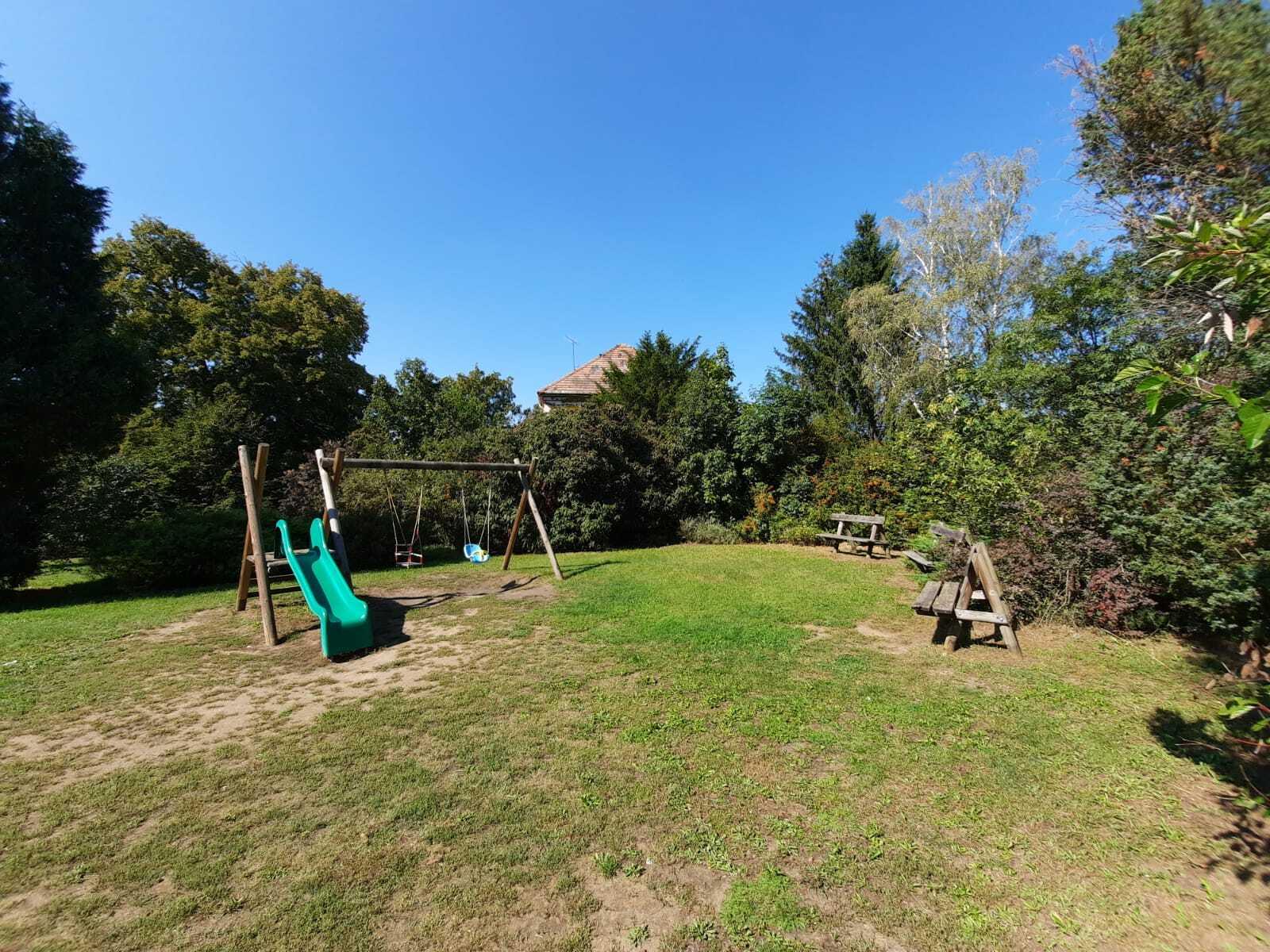 Malinovo – anglický park (dětské hřiště)
