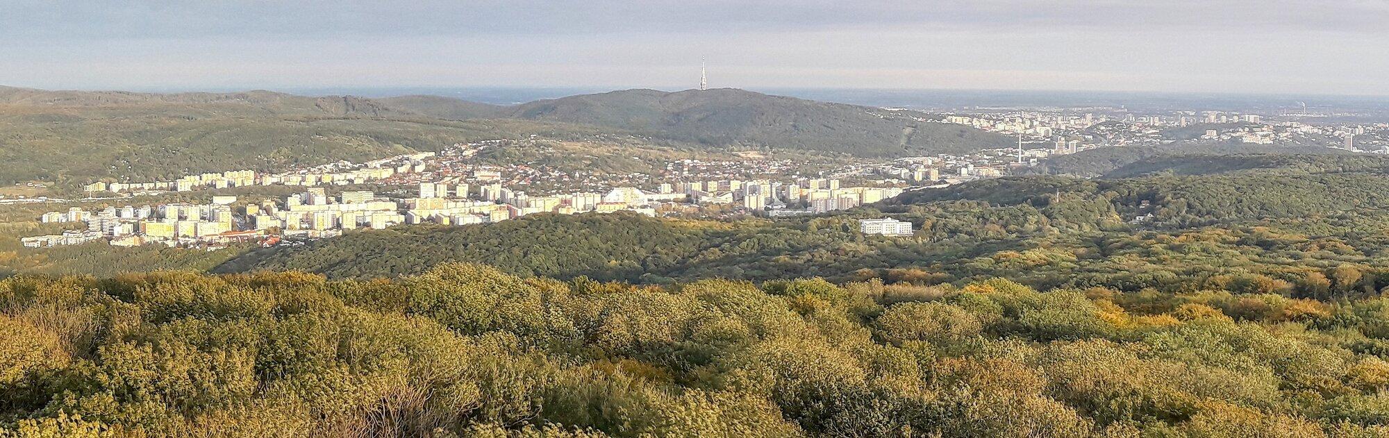 výhled na Dúbravku a Staré Město