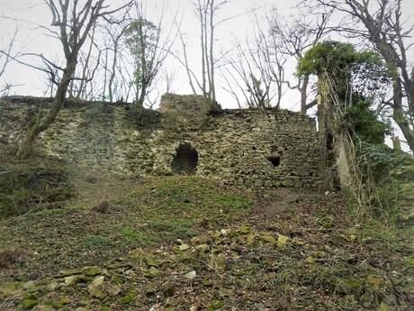 zrúcanina hradu Biely Kameň, (c) Roman Tvarožka