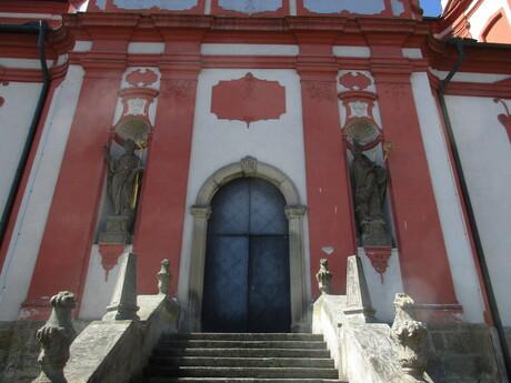 sochárska výzdoba kostola