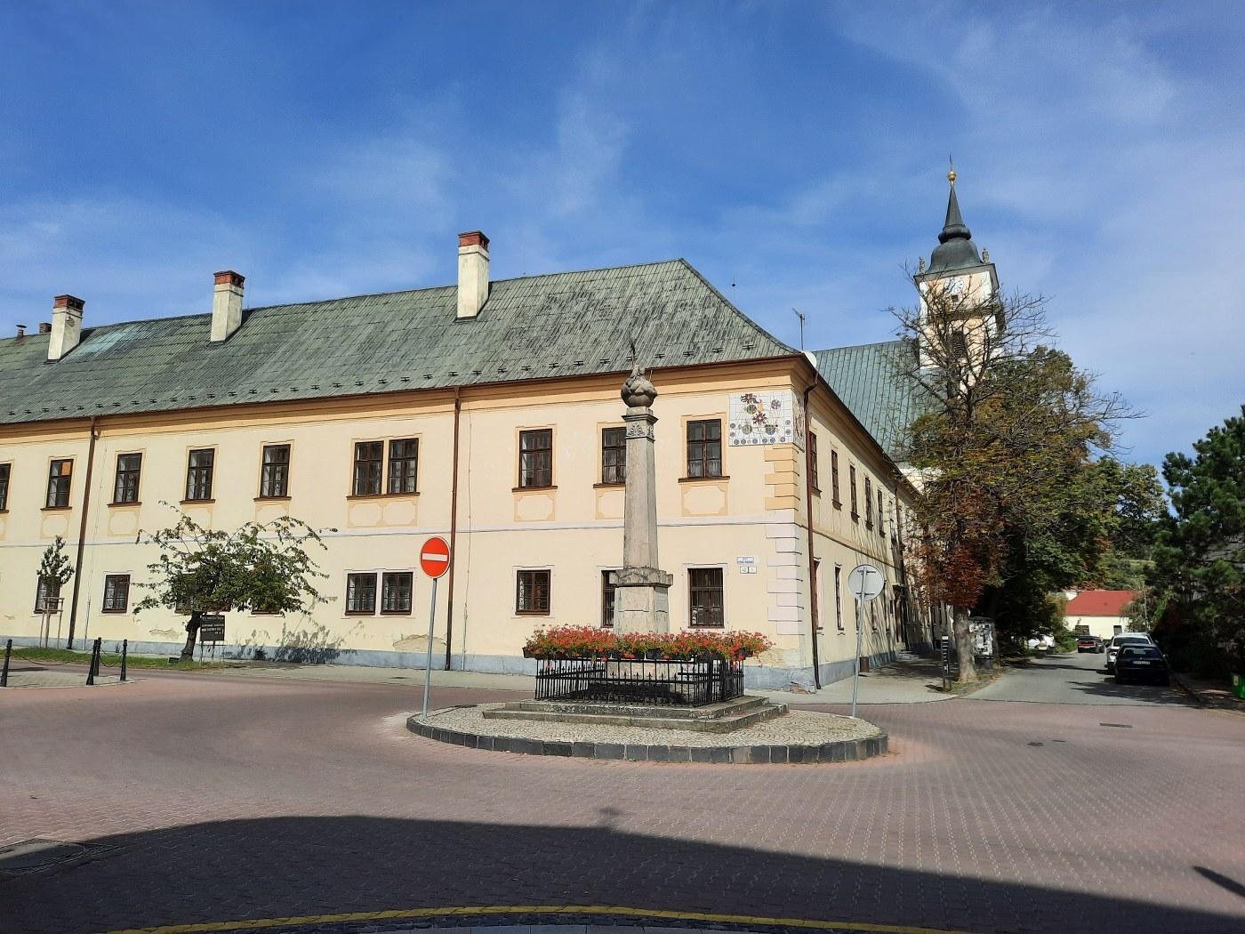 piaristický kostel svaté Trojice s klášterem