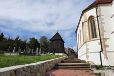 kostel svatého Jiří se zvonicí