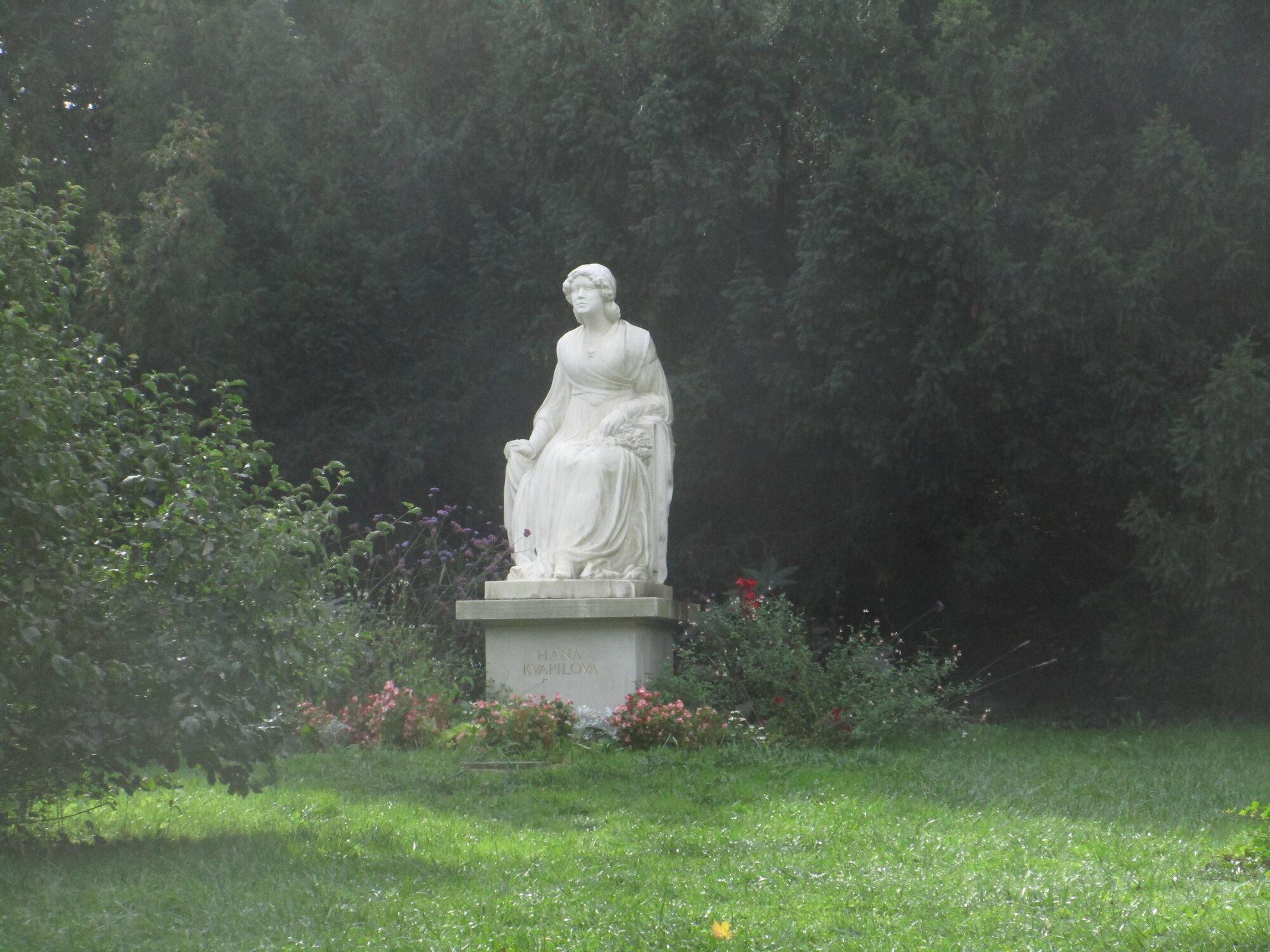 pomník Hany Kvapilové