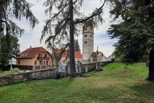 Scheidlinova zahrada a pohled na protipožární věž