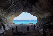 jeskyně na Cala Luna