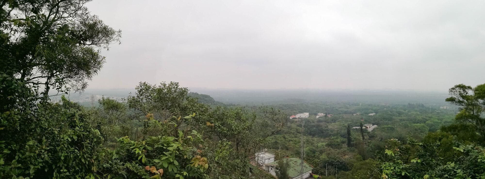 výhled z vrcholu sopky