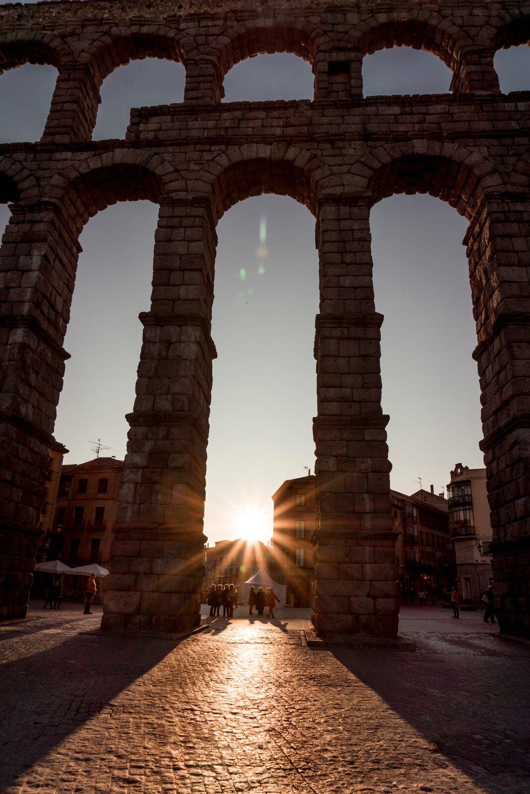 římský akvadukt (javier-martinez-O4IBwEXwF3A-unsplash)