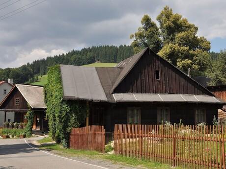 Velké Karlovice - chalupy, (c) wikipedia.org - Ben Skála, Benfoto