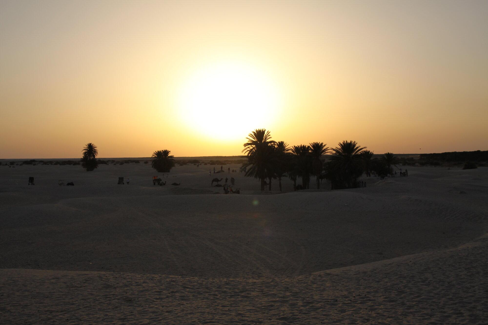 západ slunce v poušti