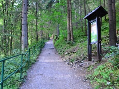 Náučný chodník k Demänovskej ľadovej jaskyni