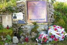 pomník na památku padlým vojákům na vrchu Slemä